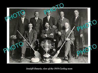 Old Large Historic Photo Of Innisfil Ontario, The 1919 Curling Team & Strophy