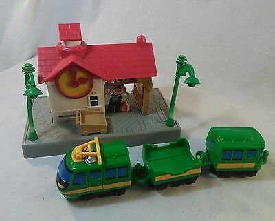 Fisher Price GEOTRAX Train Track Conductors Crossing Station Depot Playset 2004