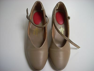 """Dance Class"" beige character dance shoes w/genuine leather souls girls 5 1/2"
