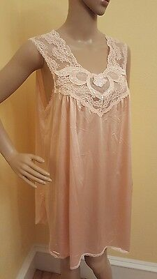 Vintage Vanity Fair 1950's Short Nightie Gown Pink Embroidered Lace Large
