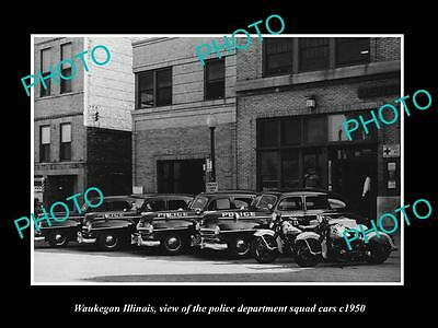 OLD LARGE HISTORIC PHOTO OF WAUKEGAN ILLINOIS, THE POLICE DEPARTMENT CARS c1950