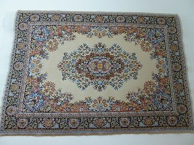 Dolls House Miniature 1:12th Scale Bedroom Lounge Beige Patterned Rug D699A
