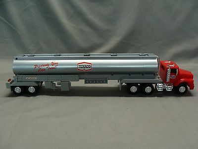 1975 Texaco Fuel Tanker Truck, 1995 Edition Toy