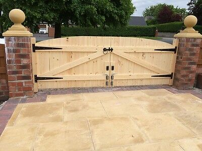 "Wooden Driveway Gates 4Ft 6"" Highest Point Tongue And Groove"
