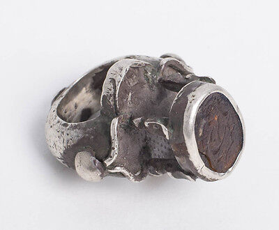 Persian, Safavid Islamic Silver Ring with Agate seal c.17th century AD.