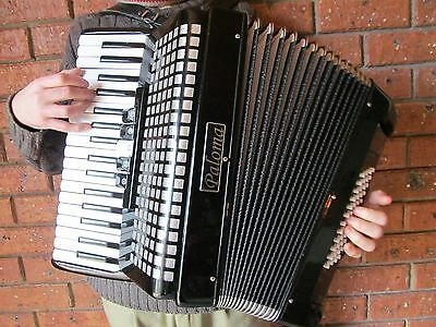 Paloma Piano Accordian