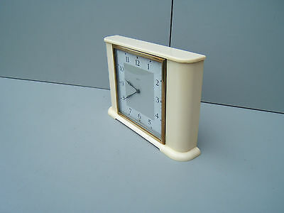 "Vintage White Bakelite Smiths  mantel working good time wind up 6.25"" 9.25""  M17"