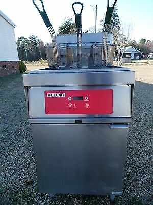 Vulcan Deep Fryer Model#: 1GRD65, Natural Gas, Xtra CLEAN. Excellent Condition!