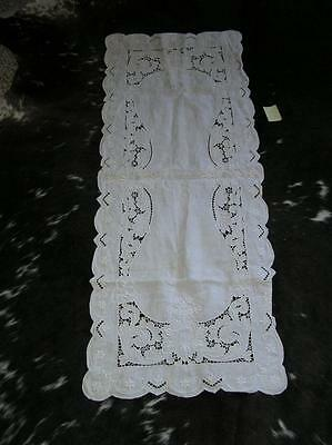 """Beautiful Victorian German Cut Work White Cotton Embroidered Floral Runner 40"""""""