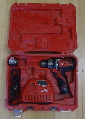 Milwaukee M12 Hammer Drill Kit 2411-22 ( Used )