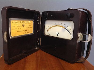 Vintage Voltmeter English Electric 1964 In Bakelite Case With Leather Handle