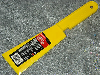 (1) Brand New Bondo 3M 368 Body Filler Yellow Plastic Scoop With Handle