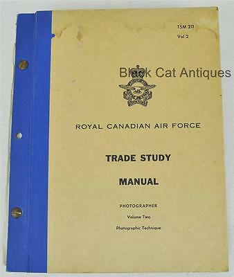 1961 PHOTOGRAPHER Trade Study Manual Vol.2 Technique ROYAL CANADIAN AIR FORCE