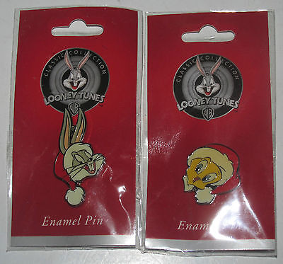 Set of 2 Enamel Lapel Pin NEW Tweety and Bugs Bunny Santa Hat Punch Looney Tunes