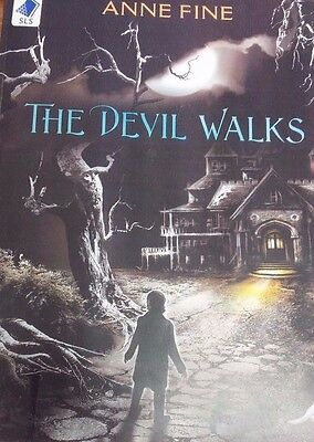 The Devil Walks by Anne Fine EXTRA LARGE PRINT (Paperback, 2011)