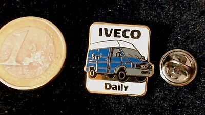 IVECO  Transporter Daily Pin Badge blau blue