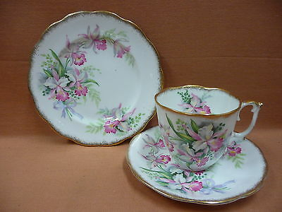 Vintage Roslyn Trio Sweet Romance Beautiful cup, saucer & plate