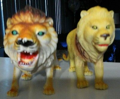 Lion figurines set of two