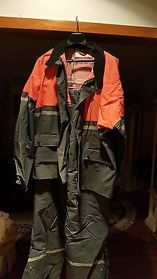 Motorcycle rain gear top and bottom, size L