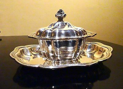 "Vintage ""Melon"" Silver Plated Gravy Boay & Under Plate Set from Community"