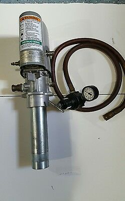 GRACO FALCON 3:1 Universal AIR PNEUMATIC DRUM PUMP 244-085 B01A w/ air regulator