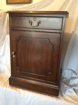Vintage Kittinger Furniture Mahogany Cabinet Night Stand End Table