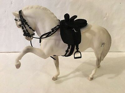 Custom (1:9) Traditional Scale Model Horse Saddle fits Peter Stone Breyer