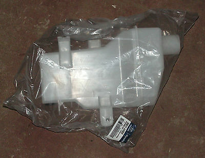 Hyundai H1 From 02/10/2007 Onwards Washer Reservoir Part Number 98611-4H000