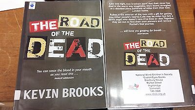 The Road of the Dead by Kevin Brooks EXTRA LARGE PRINT 2 Vols. (Paperback, 2007)