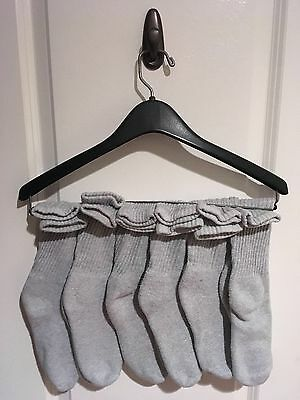 6 Pair Of Women's Athletic Socks Cotton Blend Size 7-9 Gray Freshly Washed