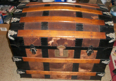 Vintage Steam Trunk Box Wood Chest With Tray great prints Old Antique Storage