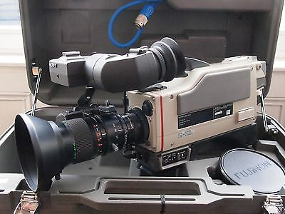 Sony DXC-3000A 3CCD Video Camera with Fujinon Lens and Case. Stock No. U7367