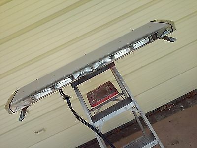 Whelen Liberty Lfl Lc 14 Module Led Light Bar With Alleys And Takedowns