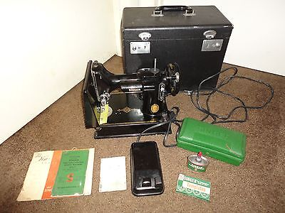 1954 SINGER 221-1 Featherweight Sewing Machine w/ Case & Attachments