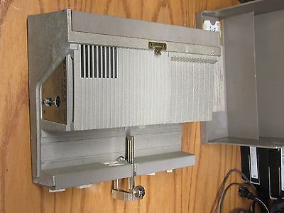 Sawyer's 500R Slide Projector Tested And Works Cord And Remote Included + Case