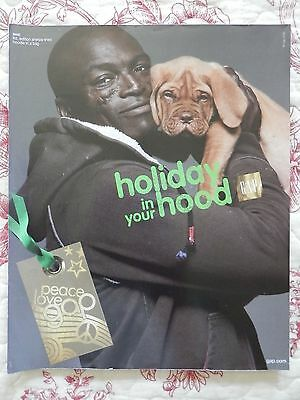 2006 Print Ad, Gap, Holiday in Your Hood, Seal