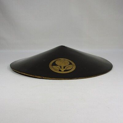 H788: Japanese old lacquered SAMURAI military hat JINGASA with 3 family crests