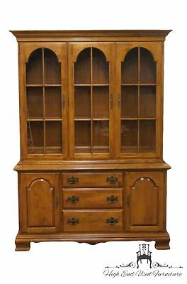 ETHAN ALLEN Heirloom Nutmeg Maple 58″ Buffet w/ Lighted China Cabinet
