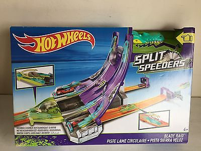 Hot Wheels Split Speeders BLADE RAID Playset NEW Loose Car
