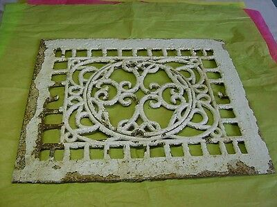 Rare Antique Victorian Cast Iron Heat Grate With Removable Center No Louvers