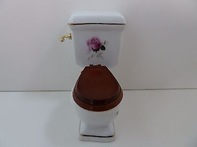 Dolls House Miniature 1:12 Scale Bathroom Furniture White Toilet Flower Pattern