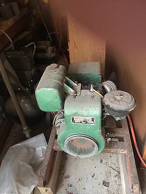 VINTAGE WISCONSIN ENGINE. Generator Model S12D - Milwaukee Wis. USA 1971