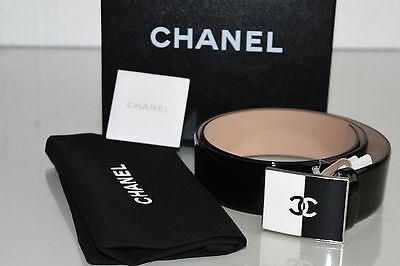 New in Box CHANEL WOMEN PATENT LEATHER BELT CC LOGO BLACK WHITE  Buckle 85 34