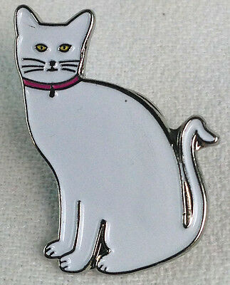 WHITE CAT - UK Imported Enamel Lapel Pin - for all Cat lovers
