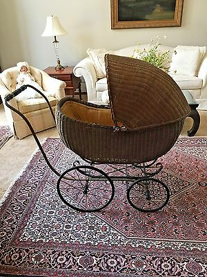 Antique Wicker Baby Carriage/Buggy/Pram