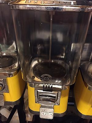 Candy Vending Machine (LYPC ProLine, Pro line) Gumball .25 coin mech yellow