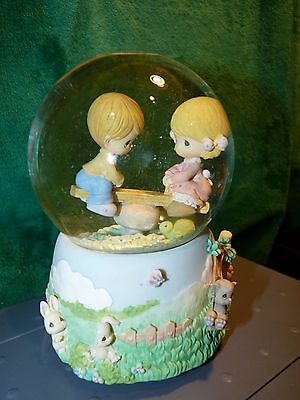 Precious Moments Musical WATER Globe WHILE WALKING IN THE PARK ONE DAY  2001