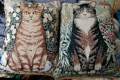 Two double sided black/white/tan cat & white/tan cat 14 x 10.5 inch pillow set