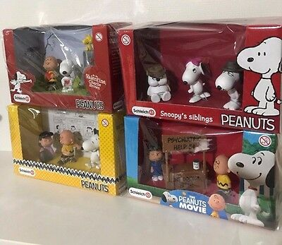 Schleich PEANUTS Snoopy scenery pack 4 pattern set from japan New F/S