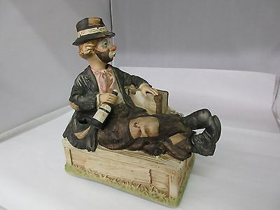 Melody in Motion Willie the Whistling Hobo Figurine Music Box    G-106